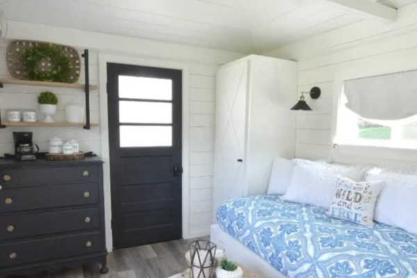 Small Guestroom Shed